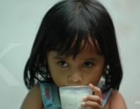 Konsumsi susu tinggi kalori untuk anak baikkah?