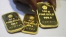 Harga emas Antam hari ini turun Rp 2.000 per gram